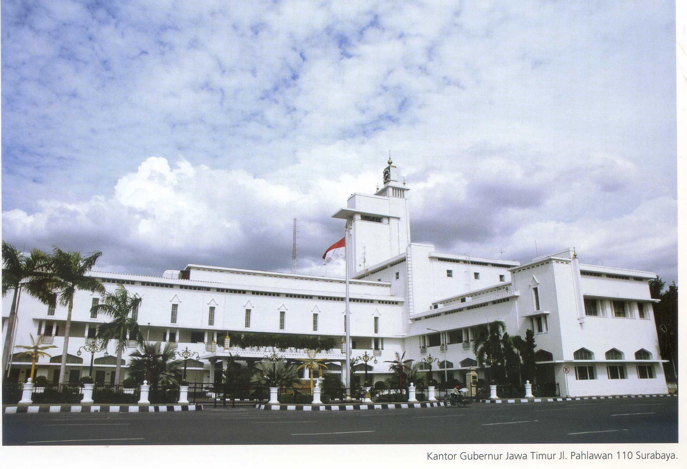 Kantor Gubernuran Lama Pusaka Jawatimuran Kue Bakpia By Kuliner Yulis Saekowati Akumandiri Monumen