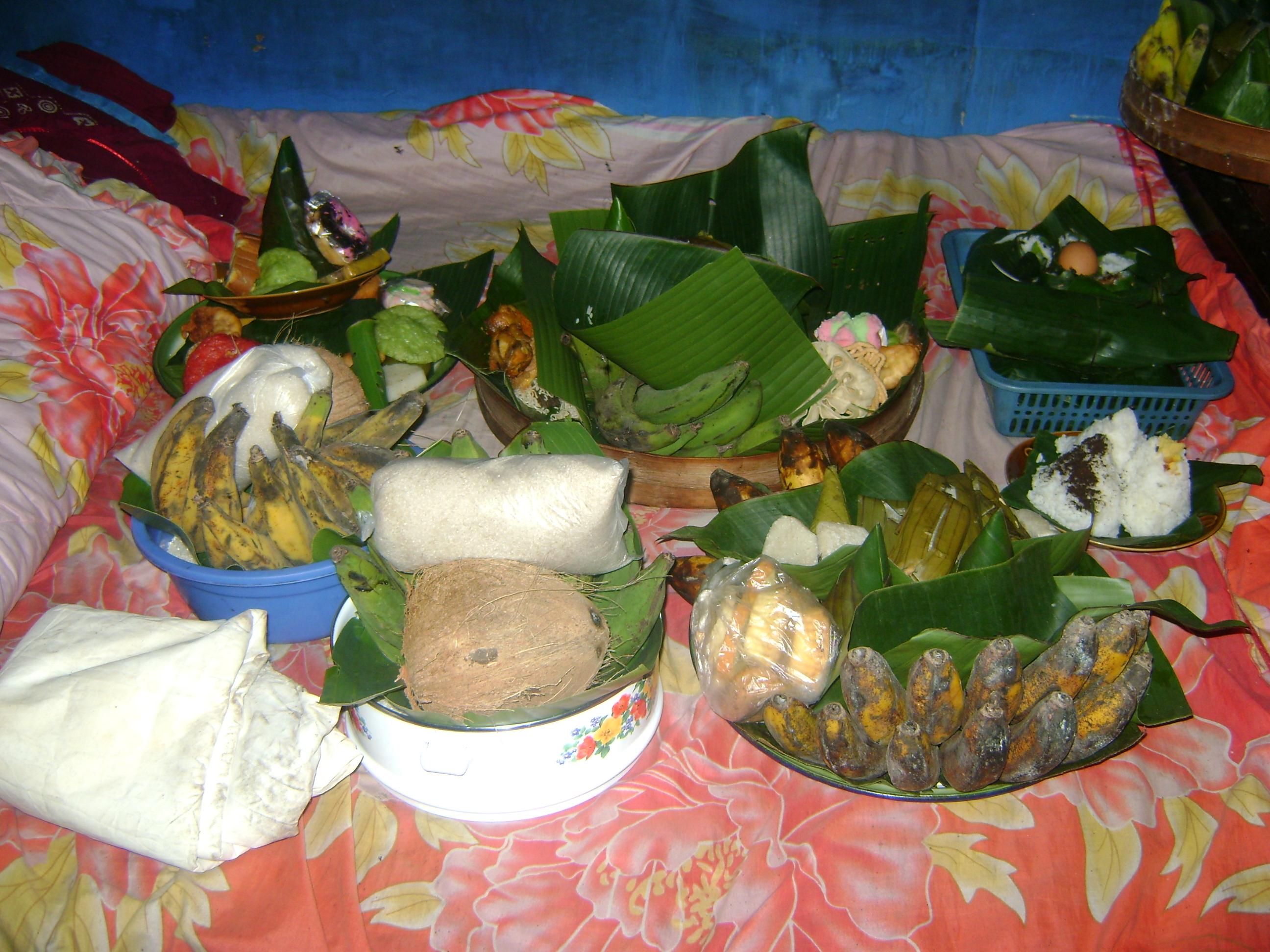 Upacara Karo Di Kabupaten Lumajang Pusaka Jawatimuran Kue Bakpia By Kuliner Yulis Saekowati Akumandiri Iklan