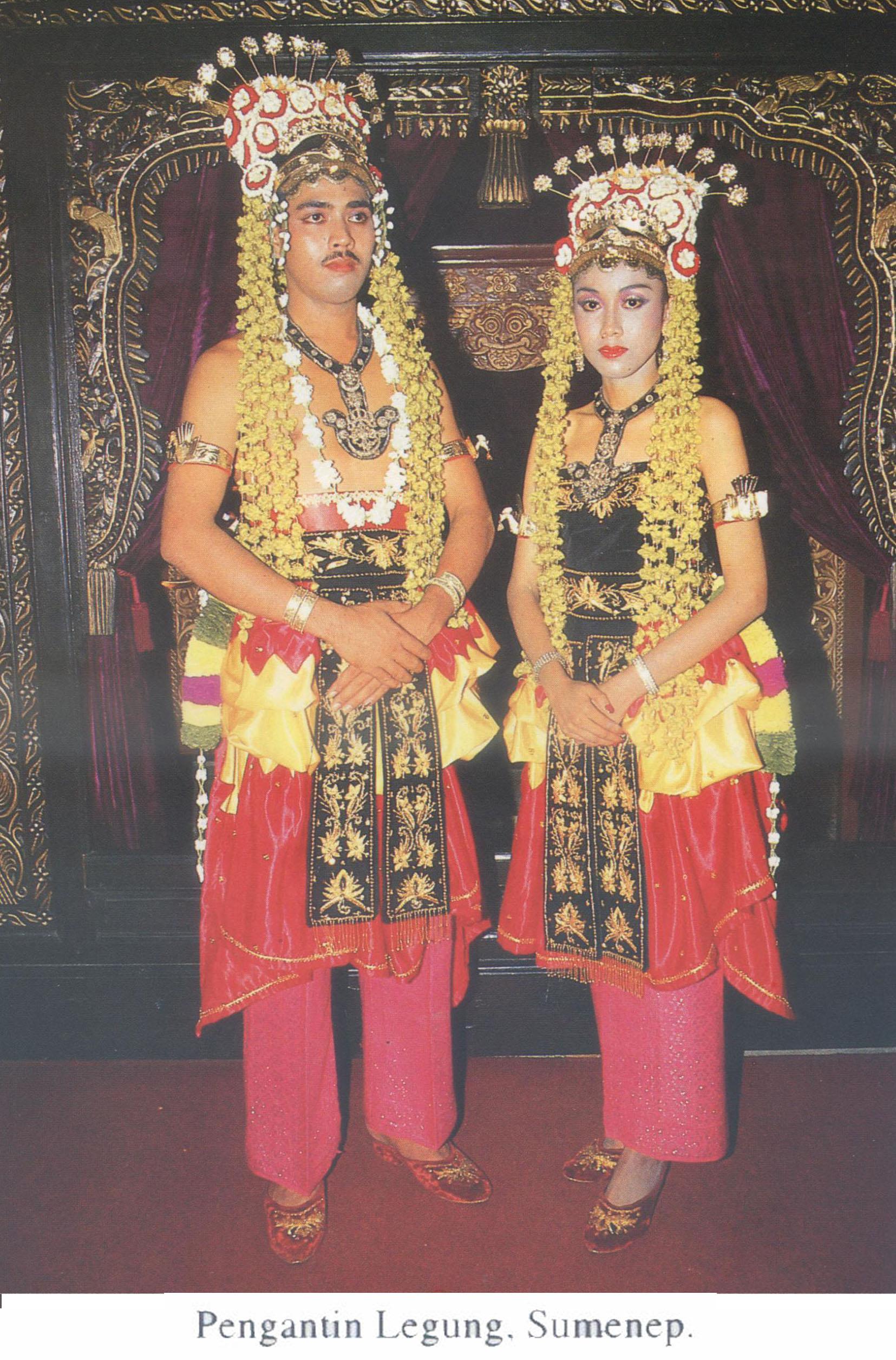 Tahapan Upacara Perkawinan Ngekak Sangger Pusaka Jawatimuran Kue Bakpia By Kuliner Yulis Saekowati Akumandiri Pengantin Legung